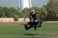 La police de Dubaï a fourni les vélos volants Hoversurf [Vidéo]