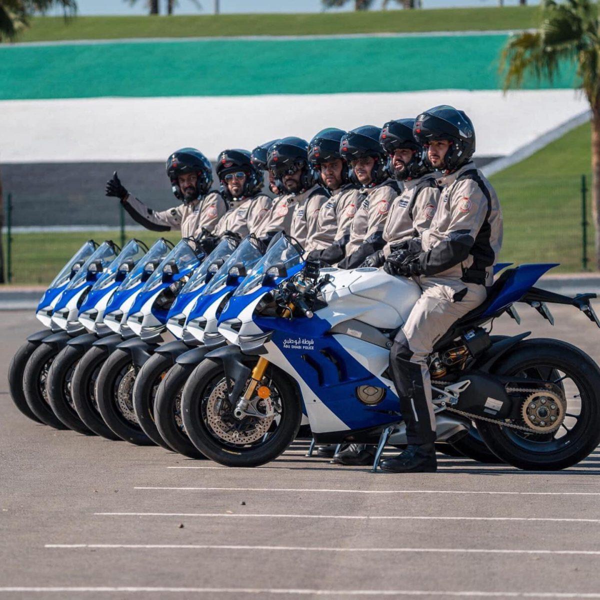 La Ducati Panigale V4 R a rejoint la flotte de Abu Dhabi police