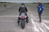 Guy Martin 436 km/h sur une Suzuki Hayabusa. C'est un record!