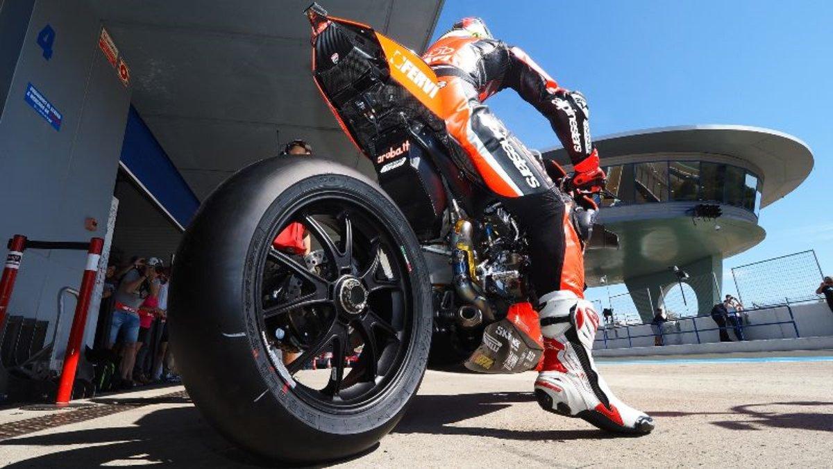 """Giorgio Barbier """"Pirelli préfère le Superbike, car il offre le meilleur développement possible"""""""