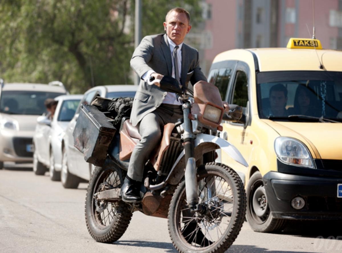 Tous les vélos de James Bond