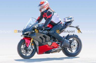Ducati Panigale V4 Superleggera: spy photos