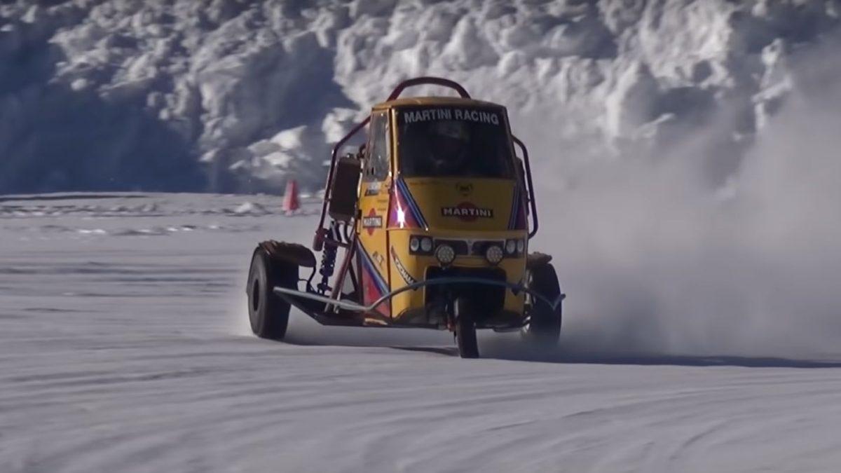 Piaggio Ape, à la dérive dans la neige avec le prototype propulsé Triomphe [Video]