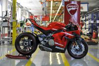 Ducati Panigale Superleggera V4: les feuilles de l'usine de la 001/500 [Video]
