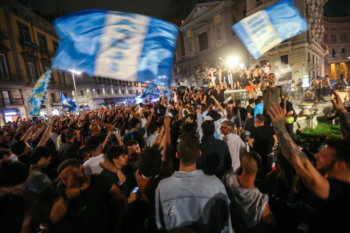 Naples. Scooter volé lors de la commémoration de la Coupe d'italie