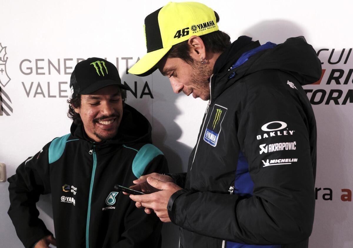 MotoGP. Franco Morbidelli a signé ses deux ans d'Petronas... en Attendant celui de Valentino Rossi