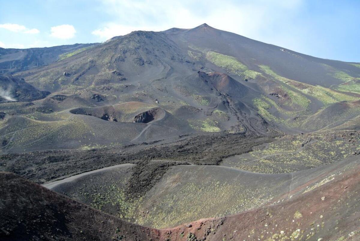 Les voyages et la moto tours, l'itinéraire de la semaine: à partir de Nicolosi les 2000 de l'Etna