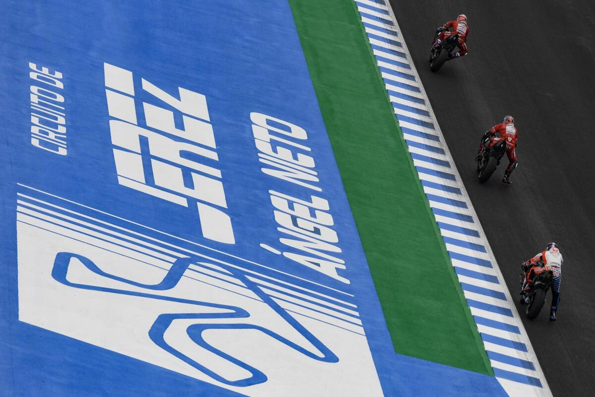 MotoGP: Jean Zamagni et Loris Reggiani commentaire sur les Tests à Jerez - LIVE aujourd'HUI À 16:30