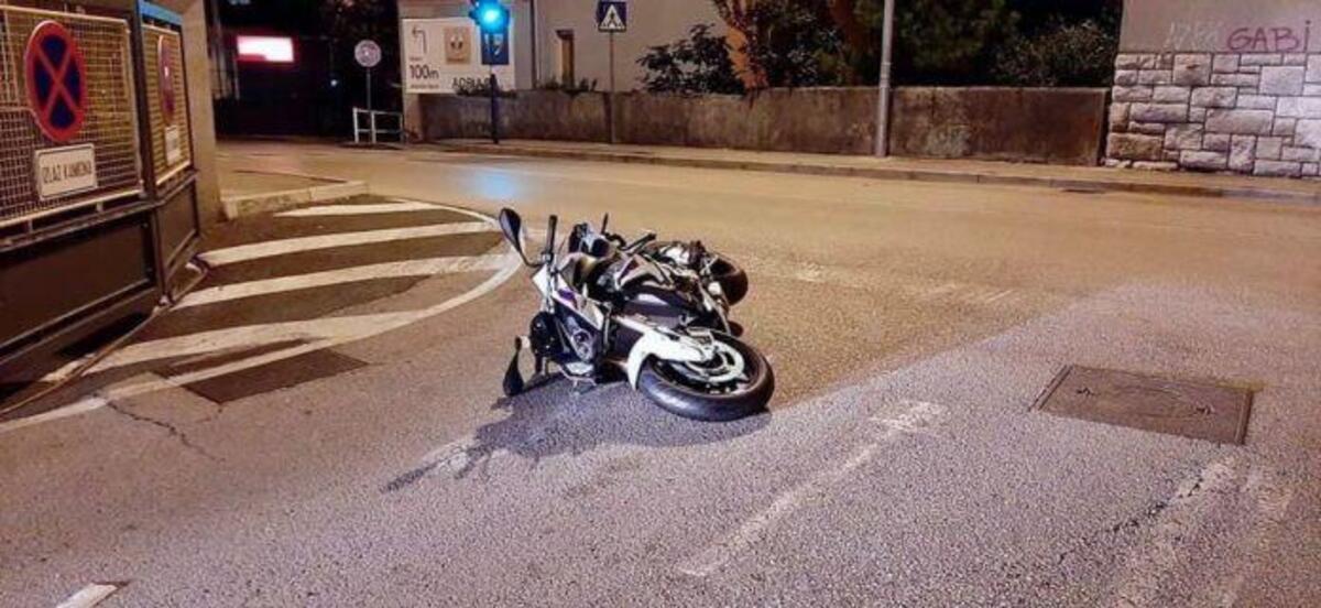 Vole une moto et tombe au premier virage: voleur contraints de fuir à pied