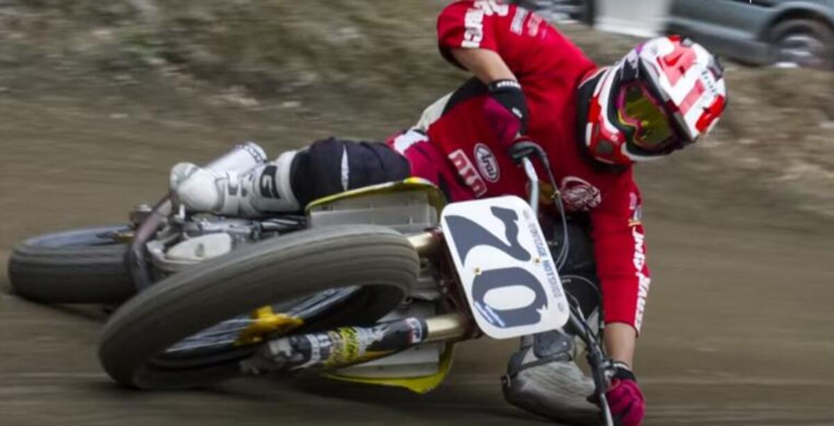 Moto limbo: vélos, piste plate, et le fou, japonais pilotes [VIDEO VIRALE]