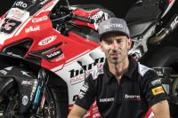 Marco Melandri retourne Superbike racing avec le Kawasaki Racing Team